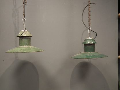 emaille lamp donkeregroen